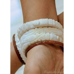 Lakshmi Conch Bangle